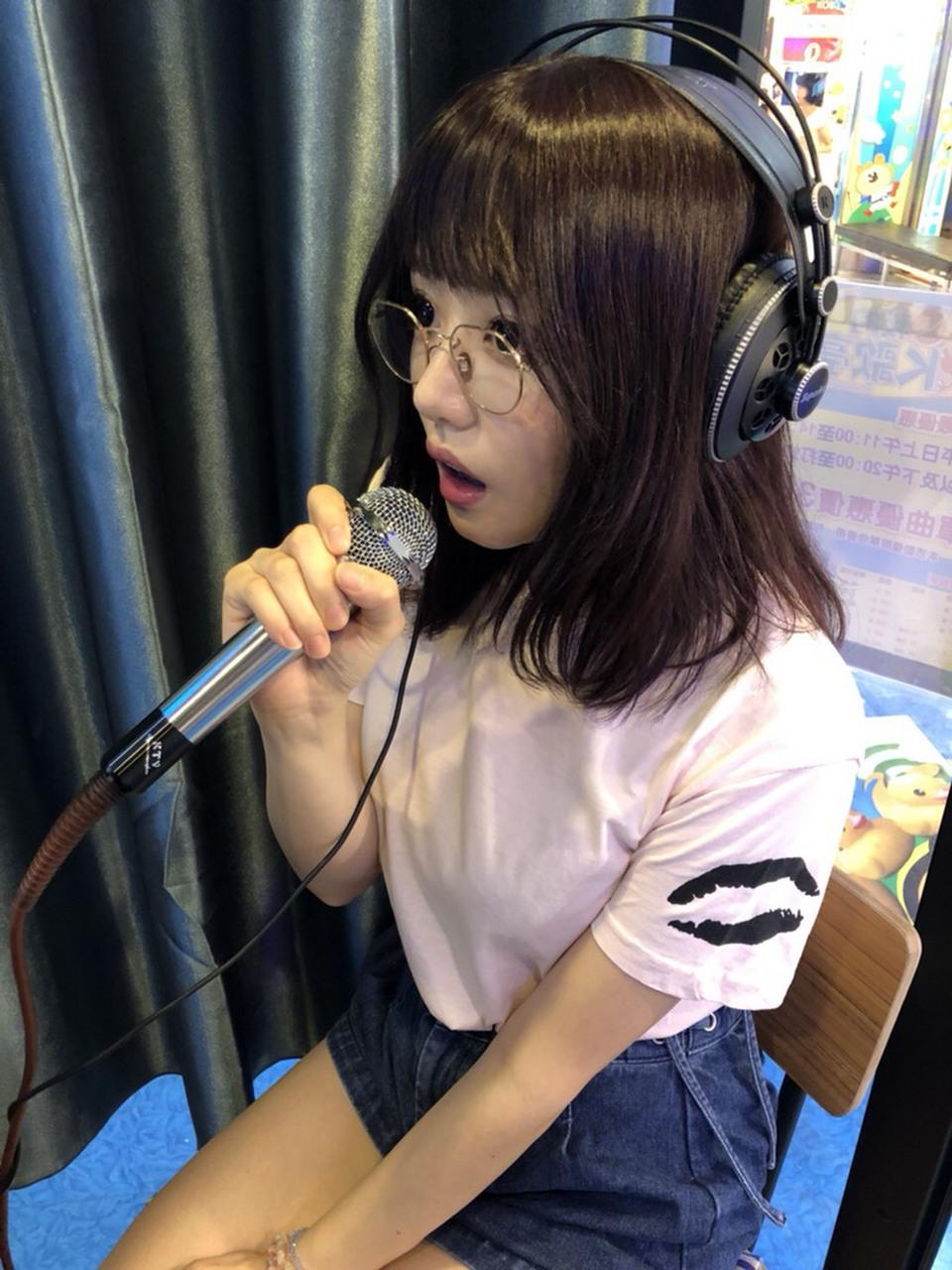 TRE成人展的前一天粉絲見面會,是我在台灣第一次的卡拉OK!